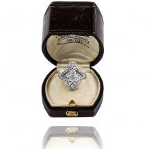 Platynowy pierścionek z diamentową markizą ~1,08ct