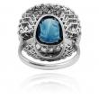 Platynowy pierścionek z szafirem i brylantami