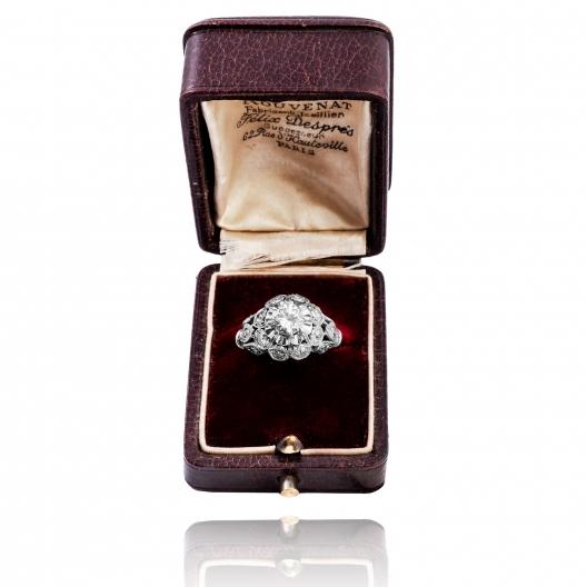 Dawny pierścionek platynowy z brylantem