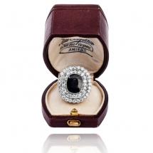Dawny platynowy pierścionek z szafirem i brylantami