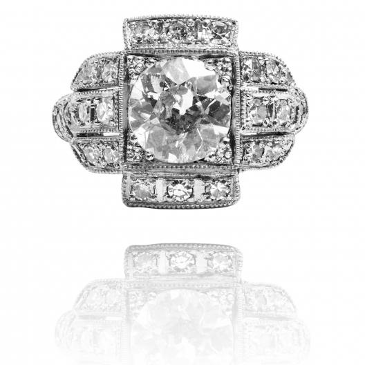 Limitowany pierścionek z diamentami
