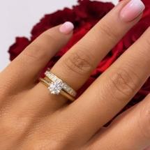 Pierścionek z żółto białego złota z brylantem