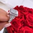 Złoty pierścionek z 116 brylantami