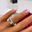 Pierścionek zaręczynowy tiffany z brylantem