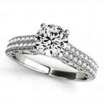 Pierścionek na zamówienie z brylantem zaręczynowy