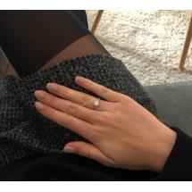 @dominikakropidlowska Pierścionek zaręczynowy z brylantem whiteluxury 702