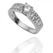 @veronniccas Pierścionek zaręczynowy z brylantem whiteluxury 708