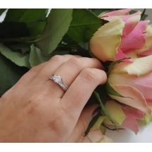 @malgorzata.g1 Pierścionek zaręczynowy z brylantem whiteluxury 731