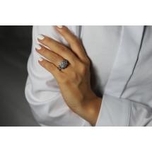 Złoty pierścionek z brylantem GlamorousWhite