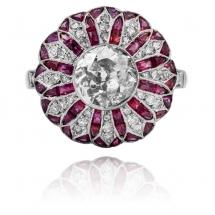 Platynowy pierścionek Art Deco z rubinami caree