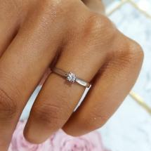 BABY LINE Pierścionek zaręczynowy z brylantem